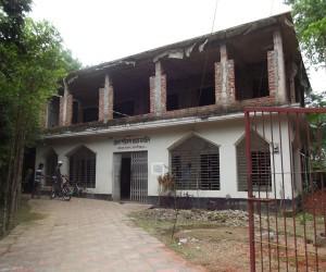 বড়লেখা উপজেলার মাধবকুন্ডে জেলা পরিষদ জামে মসজিদ